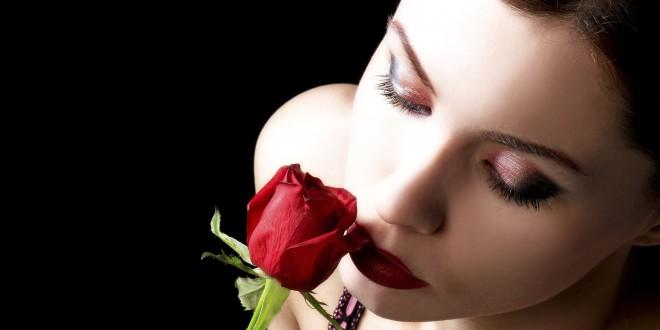 women-roses_00345860